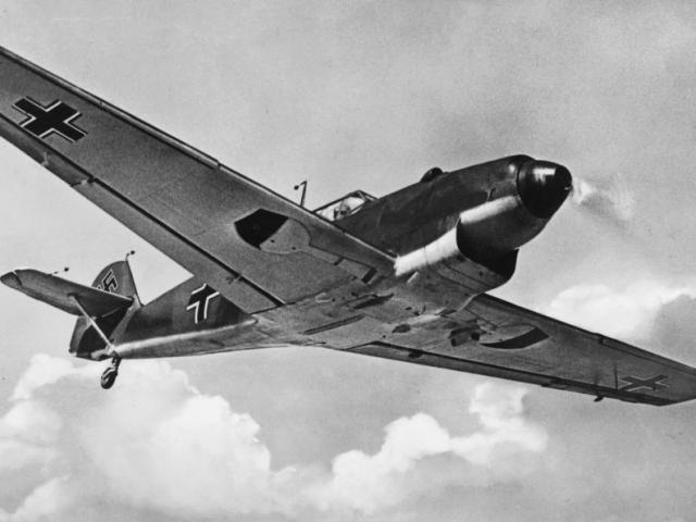 Bố nói đùa, con dò ra phi cơ Thế chiến 2 và xác phi công