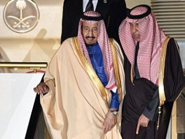 Vua siêu giàu Ả Rập mang trăm siêu xe tới gặp Nhật hoàng