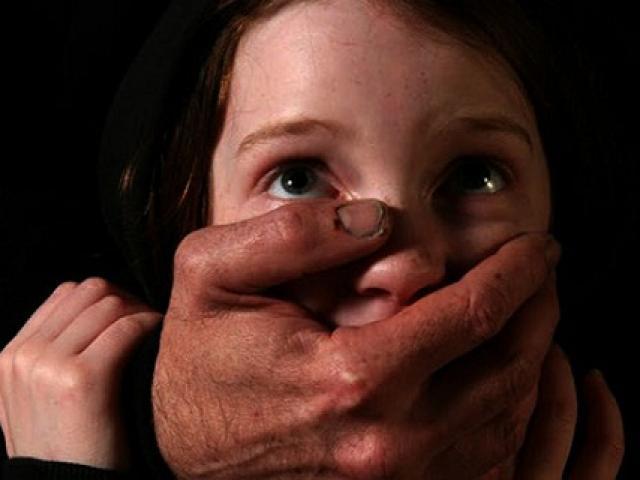 Vì sao xã hội căm hận kẻ xâm hại tình dục trẻ em?