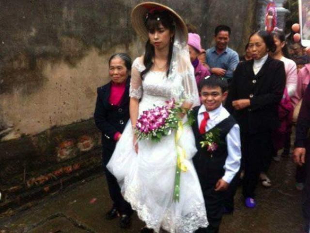 Chú rể 1m hạnh phúc bên cô dâu xinh xắn 1m6 ở Hà Nam