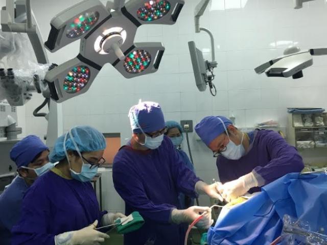 Lần đầu tiên tại Việt Nam: Bệnh nhân vừa mổ u não vừa… hát