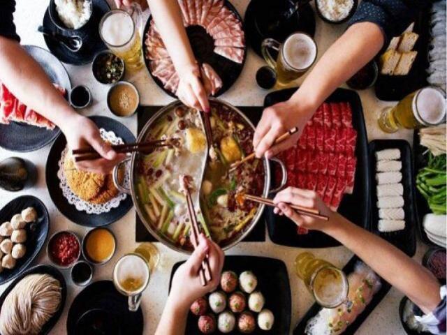 Khi ăn lẩu dù thèm mấy cũng tuyệt đối tránh 4 loại thức ăn này