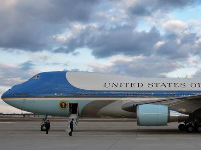 """Chi phí """"khủng"""" vận hành chuyên cơ Không lực Một chở Tổng thống Mỹ"""