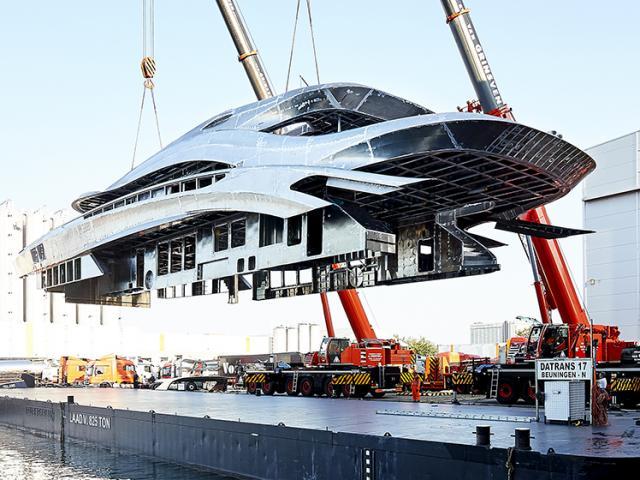 Khám phá quá trình sản xuất siêu du thuyền trị giá 38 triệu USD