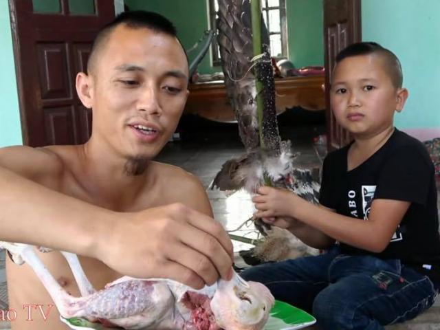 """Đã xử phạt anh em Tam Mao vì làm thịt """"chim quý"""" rồi quay clip"""