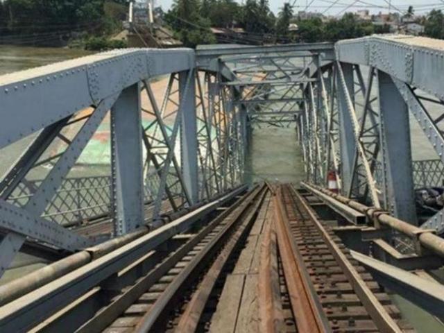 Đã xác định thiệt hại vụ sà lan tông sập cầu Ghềnh ở Đồng Nai