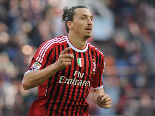 Tin HOT bóng đá sáng 3/1: Ibrahimovic đi máy bay riêng đến Milan nhận số áo lạ