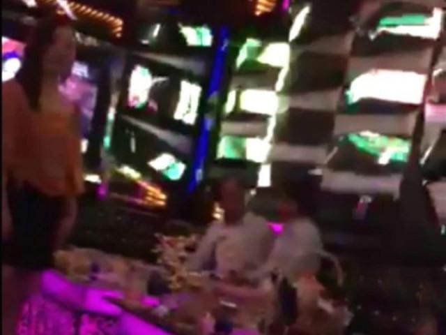 """Kết quả xác minh thông tin viện trưởng huyện hát karaoke """"ôm"""""""