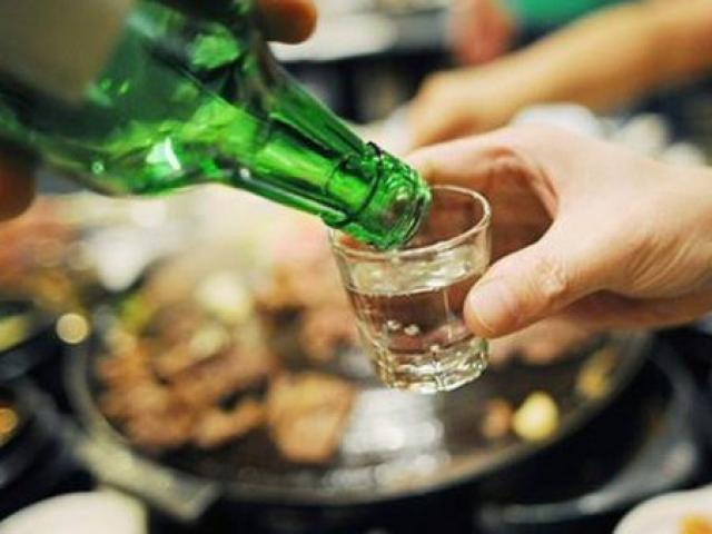 Trước khi uống rượu bia nhất định phải ăn những món này để bảo vệ 2 lá gan quý hơn vàng