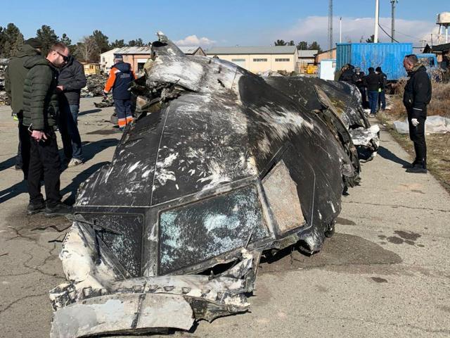 Bức ảnh cho thấy sự thật về máy bay chở 176 người rơi ở Iran