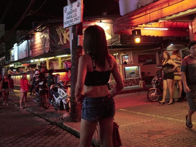 """Philippines """"phát hoảng"""" vì sự bùng nổ của gái mại dâm Trung Quốc"""