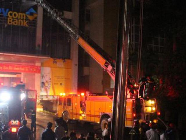 Phút sinh tử của nạn nhân may mắn thoát chết trong vụ cháy tòa nhà dầu khí Thanh Hóa