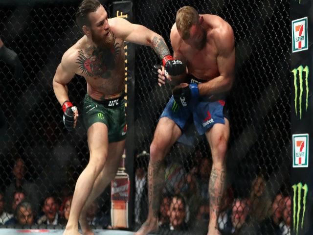"""Tuyệt đỉnh UFC: McGregor thắng knock-out 40 giây, uy dũng """"thiên tàn cước"""""""