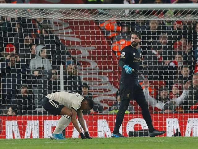 """MU """"tắt điện"""" trước Liverpool: 3 tình huống Solskjaer muốn """"độn thổ"""""""