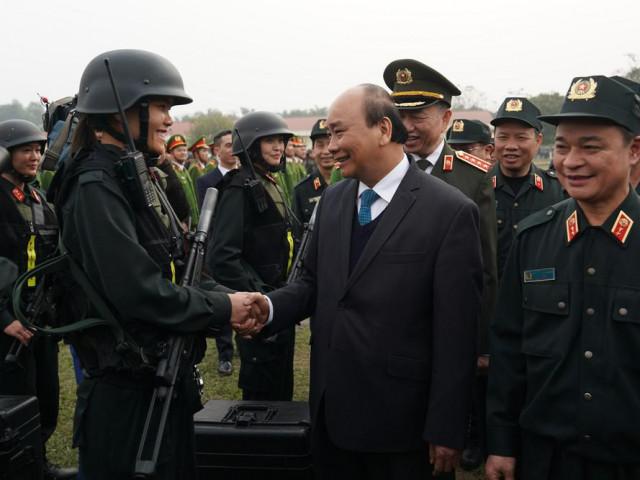 Thủ tướng nói về vụ việc Đồng Tâm khi thăm lực lượng cảnh sát cơ động