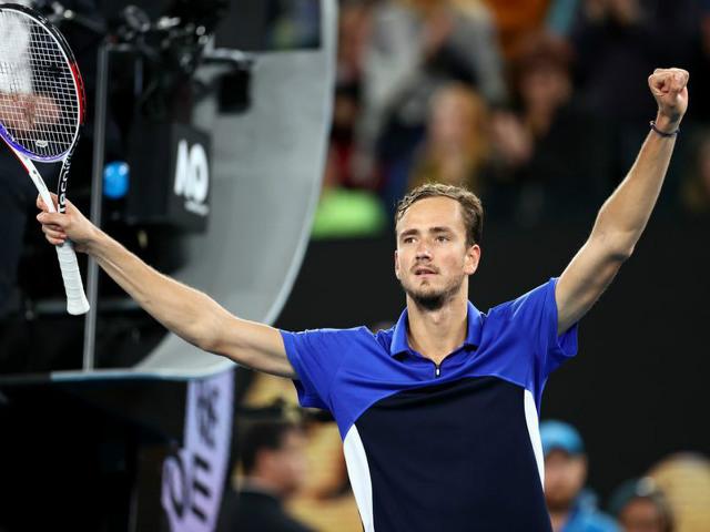 Video, kết quả tennis Medvedev - Pedro Martinez: Set 1 cân não, chiến thắng thuyết phục (Vòng 2 Australian Open)