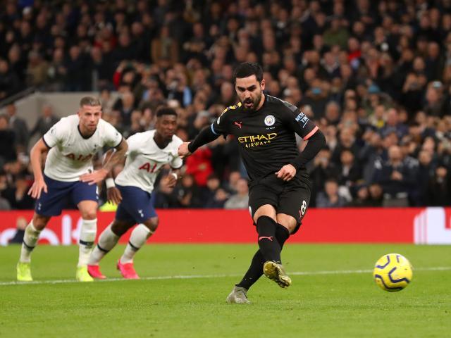 """Man City là """"Vua hỏng 11m"""" Ngoại hạng: Pep đầu hàng Liverpool, vẫn dọa Real"""