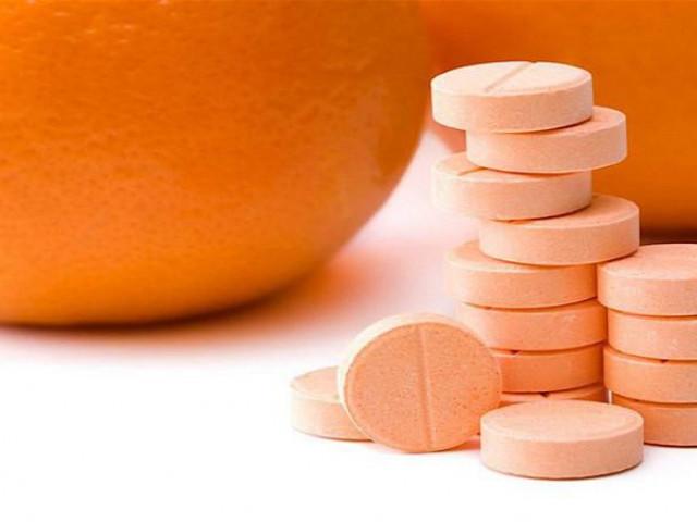 """Sự thật về thông tin vitamin C là """"thần dược"""" chống virus Corona"""