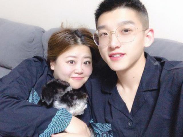"""Cặp đôi """"đũa lệch"""" nổi tiếng nhất Trung Quốc khoe ảnh con trai cực đáng yêu"""
