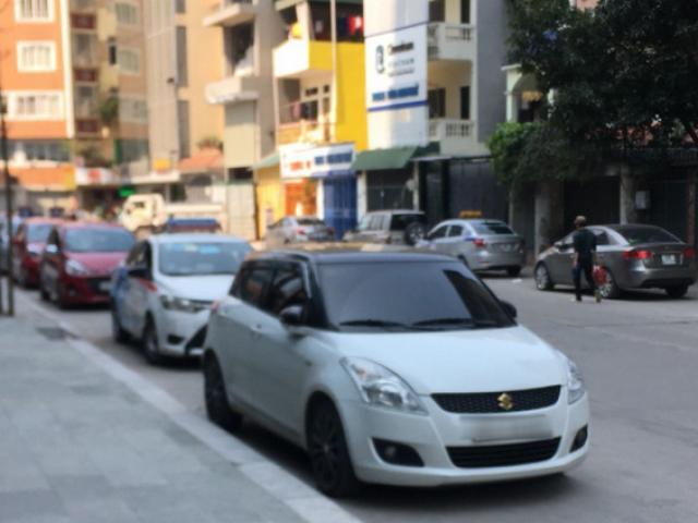 """Dừng thí điểm kinh doanh taxi công nghệ, tài xế sẽ """"đi đâu về đâu""""?"""