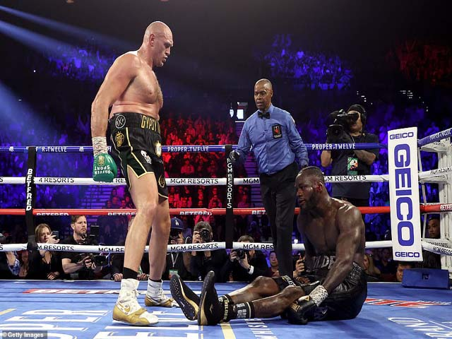 """Đỉnh cao boxing thế giới: Fury đã """"hành hạ"""" Wilder như thế nào?"""