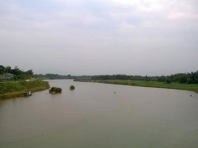 Quảng Nam: Lật thuyền chở 10 người trên sông Vu Gia, 6 người chết và mất tích