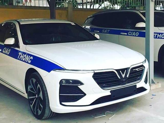 Bộ đôi VinFast LUX được làm lại thành xe chuyên dụng