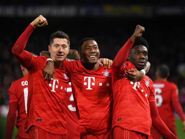 """Bayern Munich """"bắn phá"""" tan tành Stamford Bridge: Chelsea tột cùng thảm hại"""