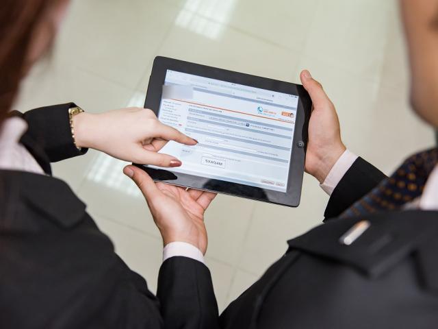 Ngân hàng tung loạt chính sách hỗ trợ, khuyến khích giao dịch online mùa Covid-19