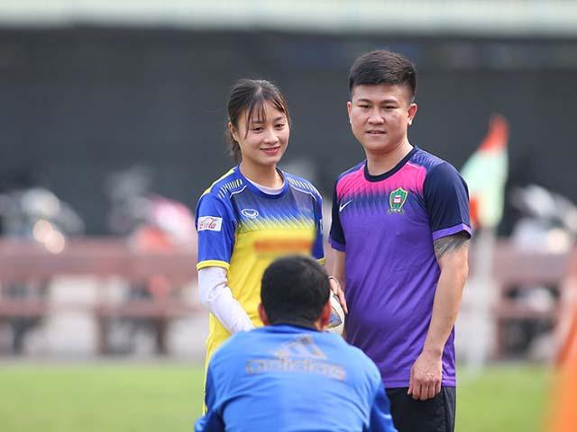 Hot girl Hoàng Thị Loan chấn thương, thầy Park cổ vũ đội nữ Việt Nam