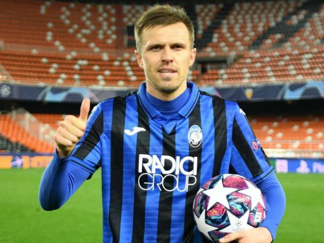 """Ngỡ ngàng """"Hiện tượng"""" cúp C1 vượt Ibra, san bằng kỷ lục Messi - Ronaldo"""