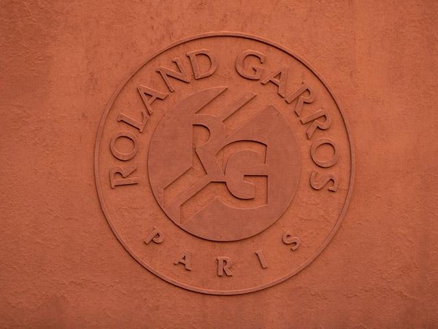 Roland Garros chính thức dời lịch vì Covid-19: Bao giờ khởi tranh?