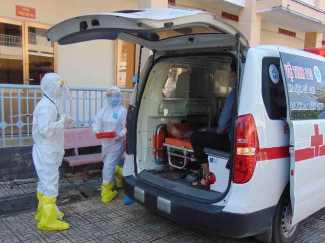 Bệnh nhân thứ 18 nhiễm Covid-19 đã bình phục, được chuyển viện theo dõi tiếp