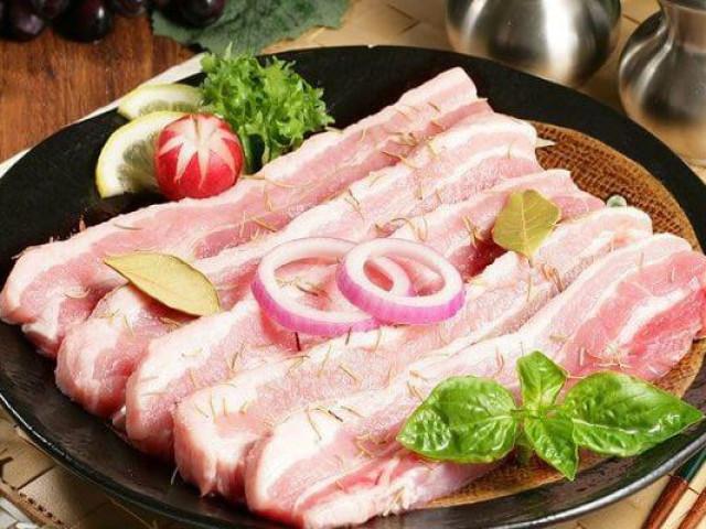 """Sườn, thịt lợn có những dấu hiệu này chớ có ăn kẻo """"ân hận mấy cũng muộn"""""""