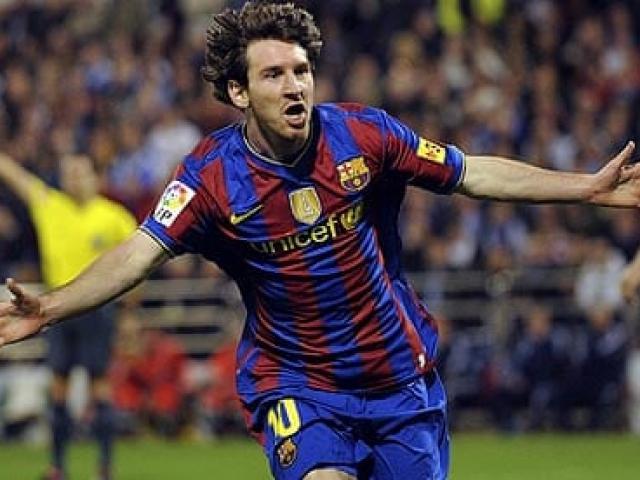 """Tròn 10 năm Messi solo ghi bàn đỉnh cao: Thế giới """"ngả mũ"""" vì thiên tài"""
