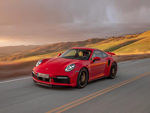 Top 10 mẫu ô tô giữ giá nhất năm 2020, xe bán tải áp đảo