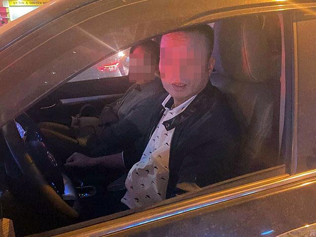 Hà Nội: Nghi vấn tài xế đánh người vì bị nhắc nhở khi dừng xe quá lâu gây tắc đường