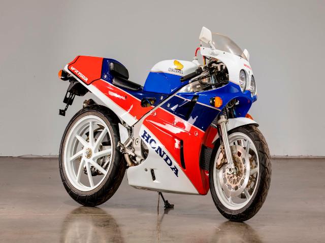 Top 25 mô tô vĩ đại nhất trong làng xe thế kỷ 20 (P2)