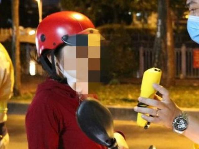 Dự tiệc liên hoan cuối năm, cô gái bị phạt 4,5 triệu đồng vì vi phạm quy định về nồng độ cồn