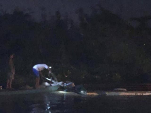 Lật ca nô ở Vĩnh Long, 1 chiến sĩ công an mất tích: Do va chạm sà lan