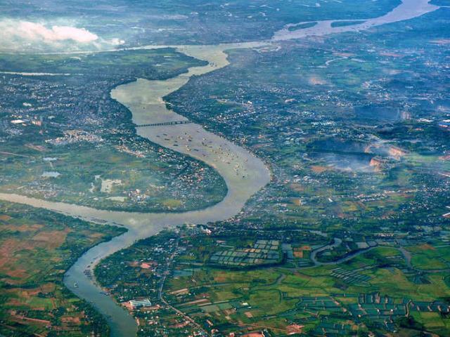 Con sông nào dài nhất Việt Nam?