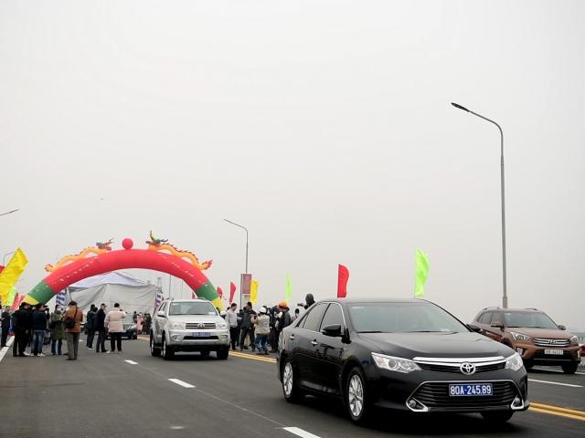 """Cây cầu 2 tầng độc nhất trên sông Hồng chính thức thông xe sau cuộc """"đại phẫu"""""""