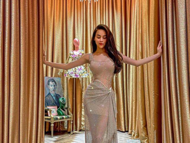 Hồ Ngọc Hà khoe dáng gợi cảm sau sinh, váy ngàn sao phô trọn đường cong