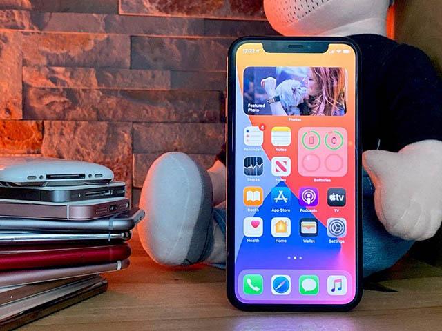 Nhiều iPhone đời cũ bỗng nhiên được cập nhật iOS mới