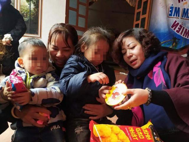 Sáng tỏ lý lịch 2 chị em bị bỏ rơi ngoài trời rét ở Hà Nội kèm tờ giấy ghi