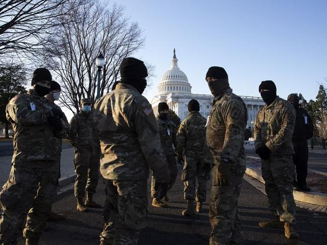 Cảnh báo về 4.000 người có vũ trang kéo đến tòa nhà quốc hội Mỹ