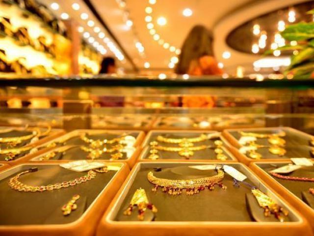 Giá vàng hôm nay 14/1: Dân buôn đua bán, giá vàng lại giảm