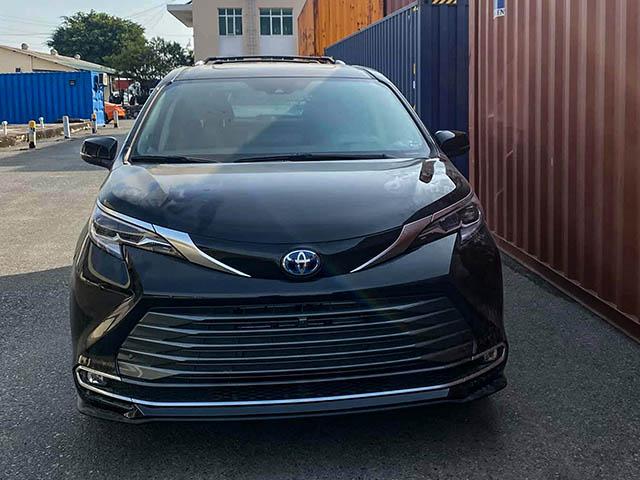 Toyota Sienna thế hệ mới có mặt tại Việt Nam giá hơn 4 tỷ đồng
