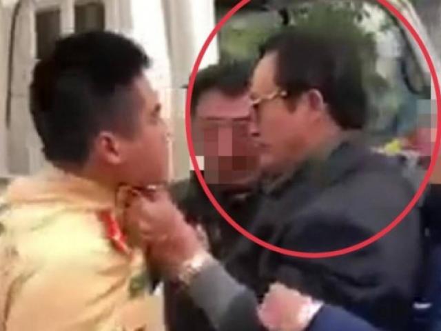 Chi cục trưởng say xỉn, túm áo CSGT Tuyên Quang