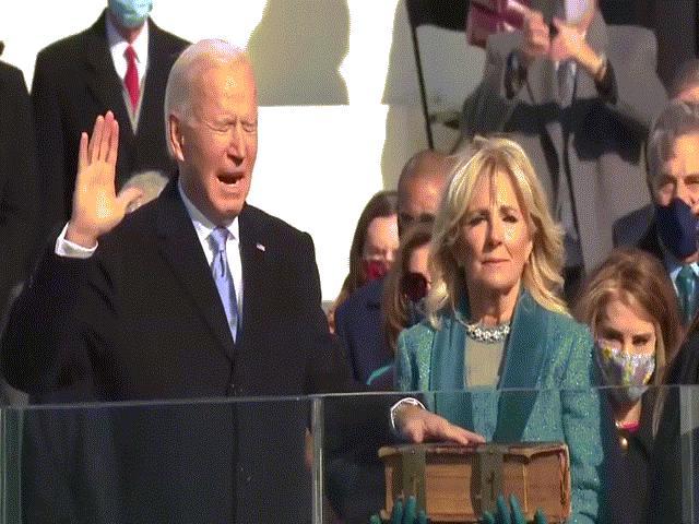 Ông Biden tuyên thệ, trở thành Tổng thống thứ 46 của nước Mỹ